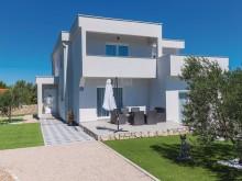Moderná vila pri Šibeniku