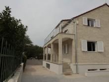 Dom s apartmánmi v Tribunji