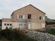 Nehnuteľnosti Chorvátsko - Dom na ostrove Brač na predaj
