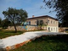 Vila v Peroj, Istria