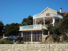 Dom na ostrove Ugljan