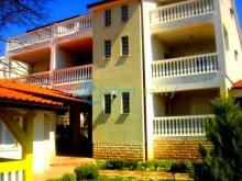Dom s apartmánmi vo Fažaně