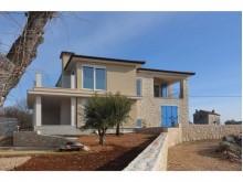 Dom v Malinske
