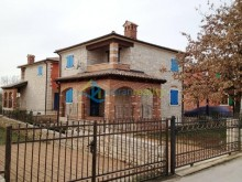 Dom v mestečku Vabriga