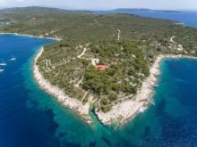 Kamenná vila na ostrove Drvenik Veliki