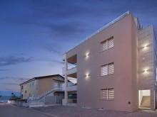 Vila s apartmánmi na Vire pri mori