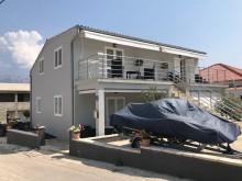Dom so 4 apartmánmi v Ražanci