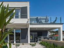 Nová vila pri Trogire