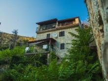 Kamenný dom s bazénom pri Splite