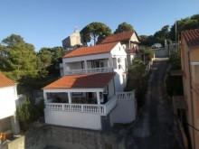 Dom v Tisne